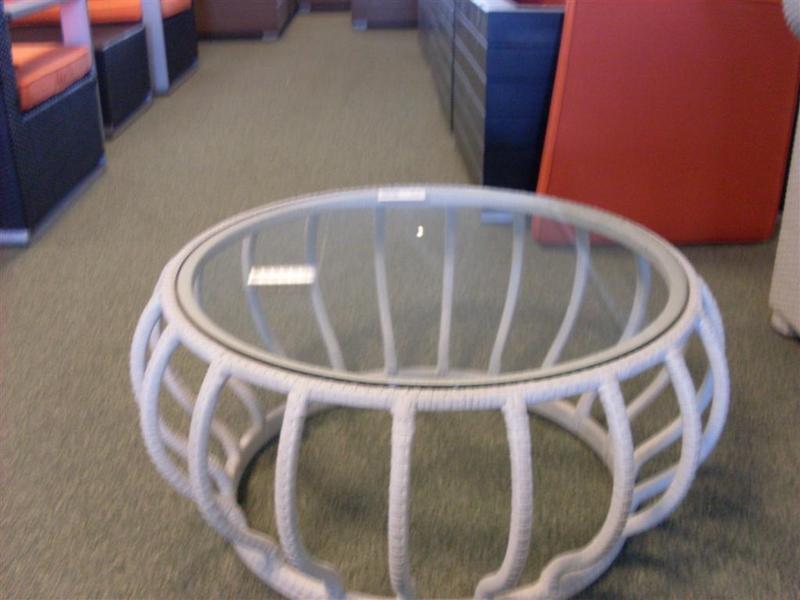 Bijzettafel gevlochten met glazen plaat doo for Glazen plaat